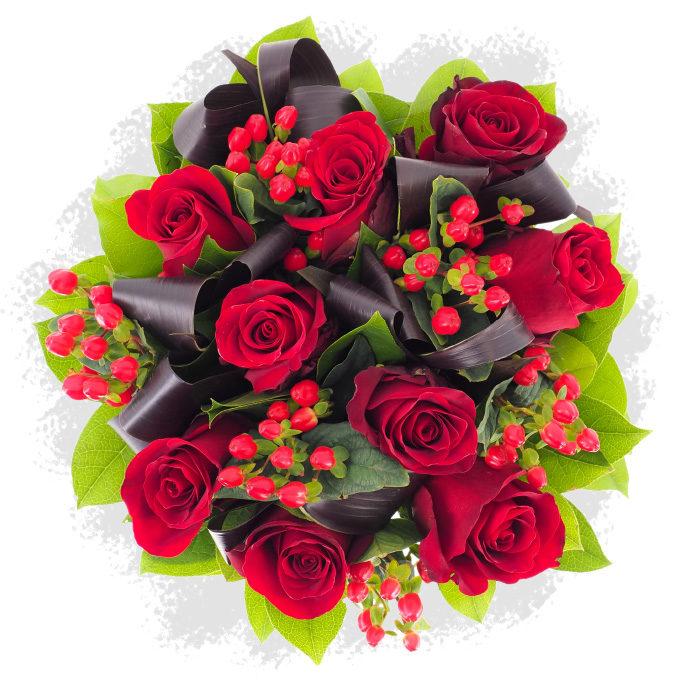 Rosa: buchet cu trandafiri roșii și hypericum roșu